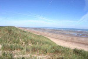 Dune blanche et plage des écardines.