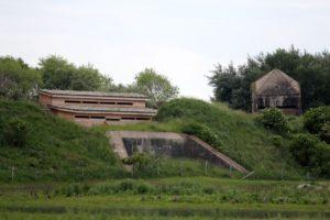 L'observatoire principal et la tour penchée.